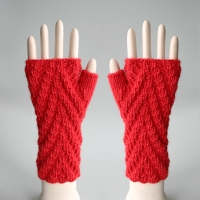 081811_red_gloves_1