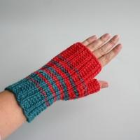 081811_striped_gloves_2