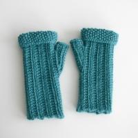 092911_teal_gloves_3