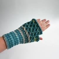 012012_blue_striped_gloves_2
