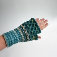 012012_blue_striped_gloves_2