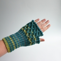 012012_blue_striped_gloves_3