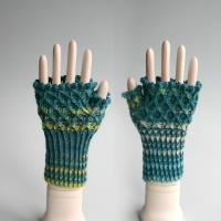 012012_blue_striped_gloves_4