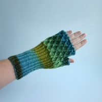 012412_blues_greens_gloves_3