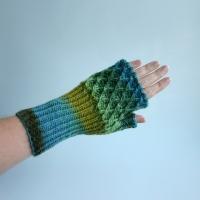 012412_blues_greens_gloves_3