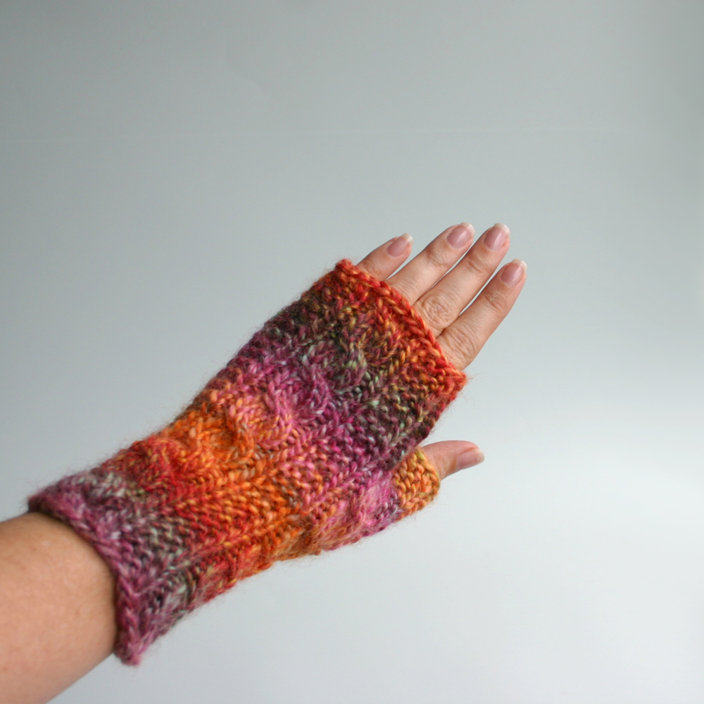 Knit Fingerless Gloves Pattern Free : Free Knit Pattern: Gingerbread Icing Fingerless Gloves Knits & Prints