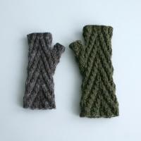 032912_both_gloves
