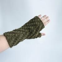 032912_green_gloves_1