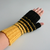 080411_bee_gloves_3