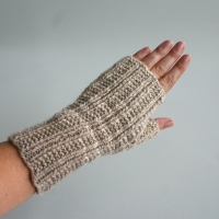 081811_neutral_gloves_3