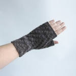 032912_gray_gloves_1