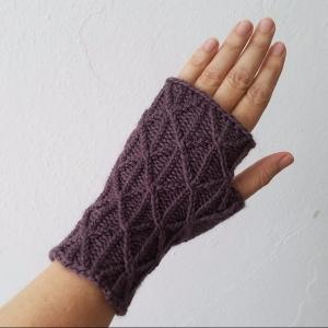 17-08-21-shell-gloves-1