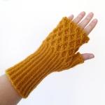 012113_yellow_gloves_4