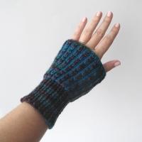 100713_blue_brioche_cuffs_2