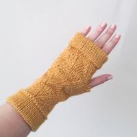031414_saffron_zigzag_gloves_2
