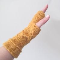 031414_saffron_zigzag_gloves_3