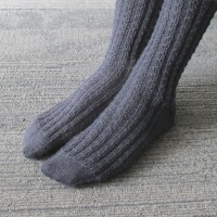 060614_gray_socks_3