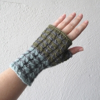 070214_blue-gray-green-gloves_1