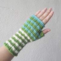 070214_green-white-blue-gloves_1