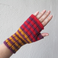 070214_purple-gold-red_gloves_1