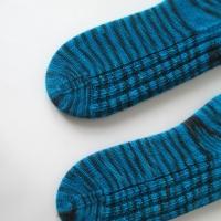 102914_cyan_socks_2