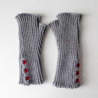 041515-gray-mitts-1