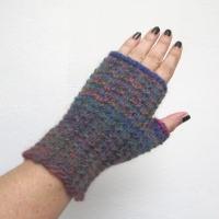 08-11-15-gloves-1