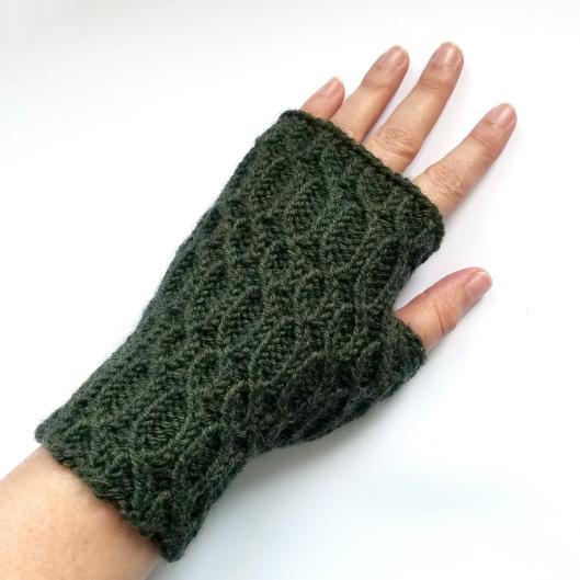 16-08-29-green-glovews-1