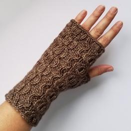 16-09-01-gloves-2