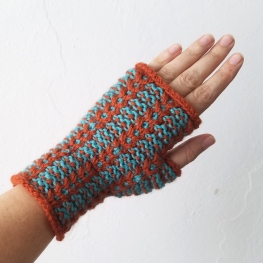 17-08-25-orange-teal-gloves-1
