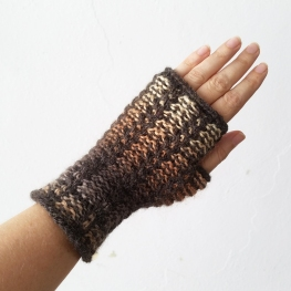 17-08-29-ombre-gloves-1