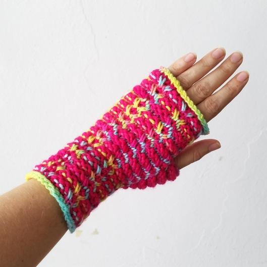 17-08-29-pink-gloves-1