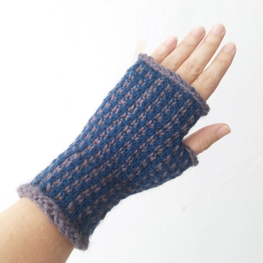 17-09-21-blue-gloves-1