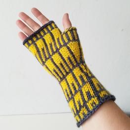 18-09-10-yellow_gloves_1
