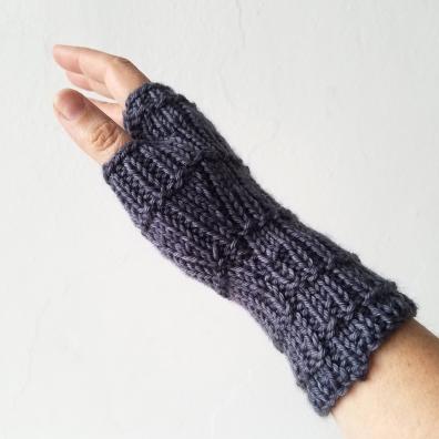 18-09-11-_gloves_2
